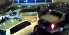 Araçlar otoyolda birbirine girdi