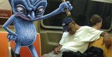 Canavarlar metroda!